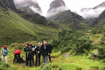 Guided Drakensberg hike champagne castle